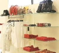 Arredamenti per abbigliamento renato russo torino s r l for Renato russo arredamenti